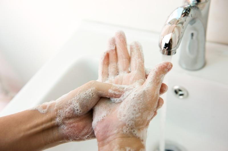 8 эффективных средств отмыть руки после огорода