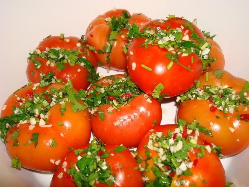3 необычных рецепта помидоров в банках, которые приятно удивят ваших родных