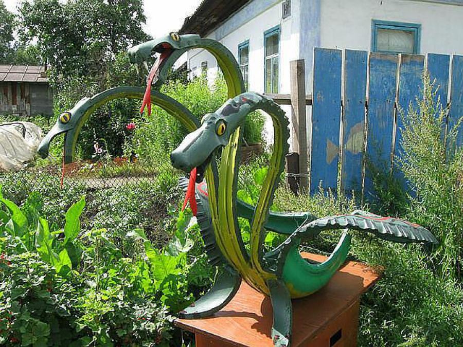 Поделки из покрышек своими руками для сада и огорода фото