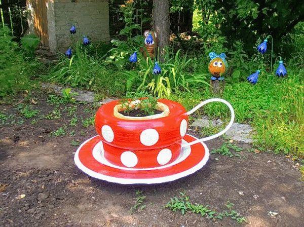 Красная чашка в белый горошек - эксклюзив для цветочного чаепития